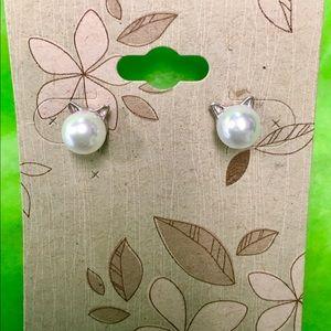 "Earrings ""Cat Pearls"" NWT."